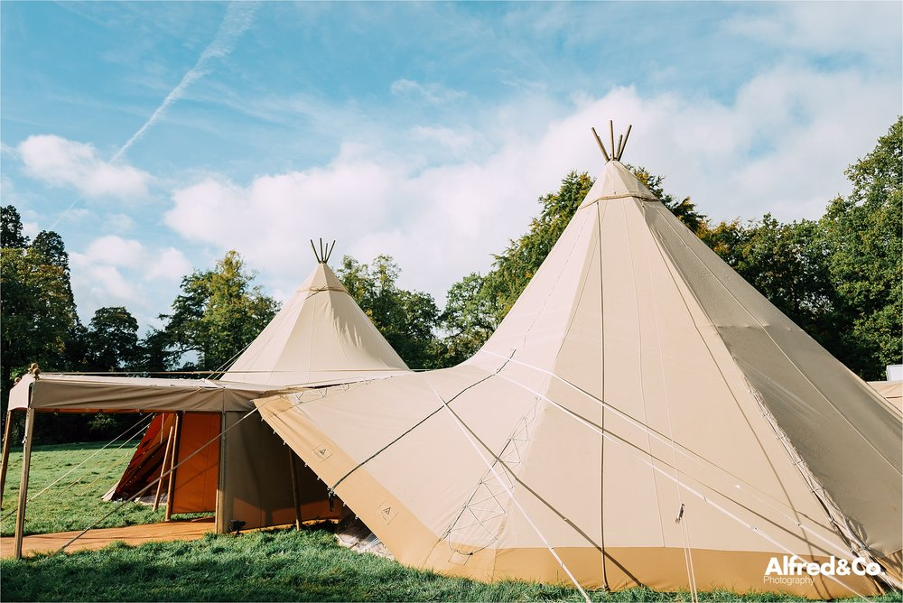 tipi+wedding+dorfoldhall+bigchieftipis+cheshire+lancashire+wedding+photographer+relaxed55.jpg