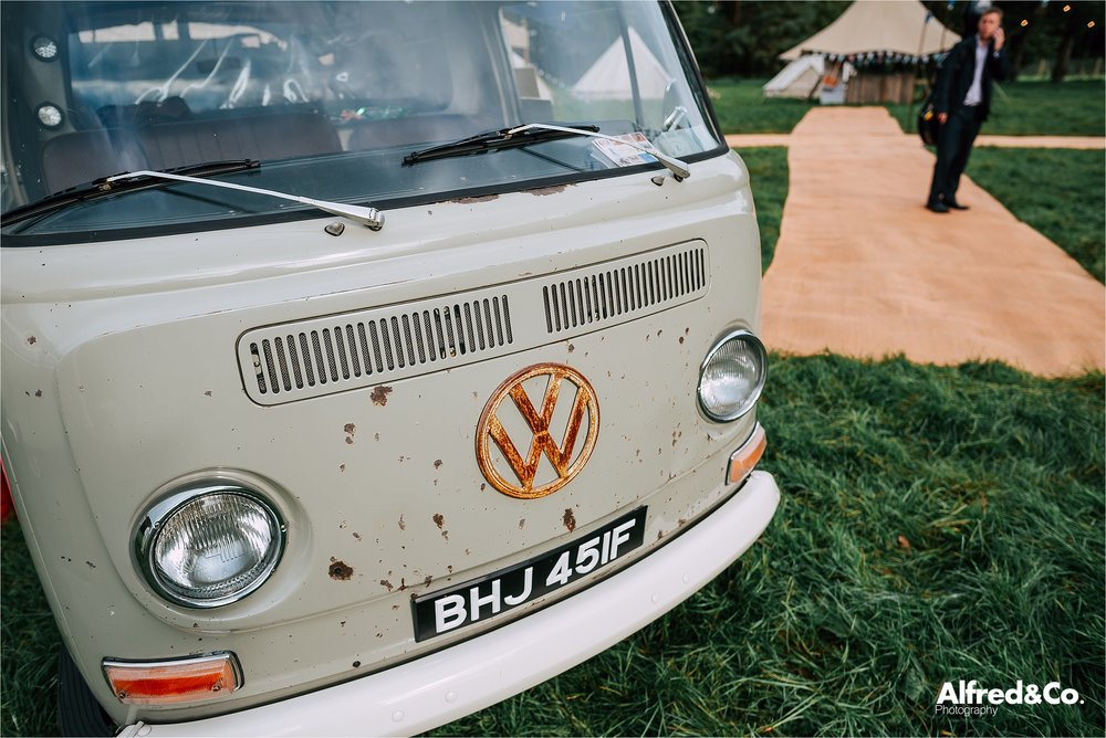 tipi+wedding+dorfoldhall+bigchieftipis+cheshire+lancashire+wedding+photographer+relaxed64.jpg