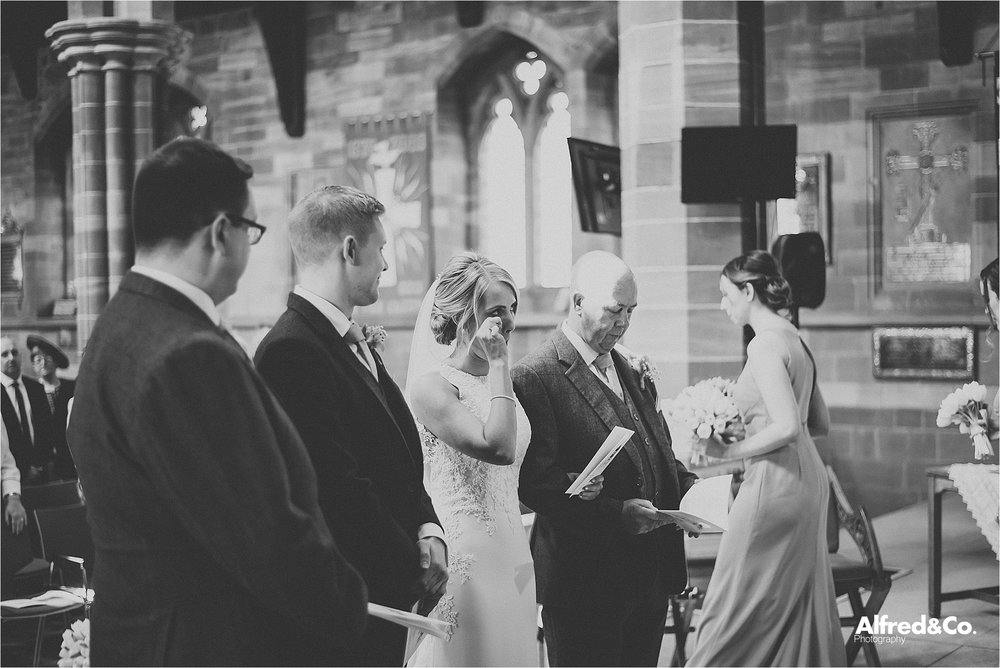 relaxed and honest wedding photography