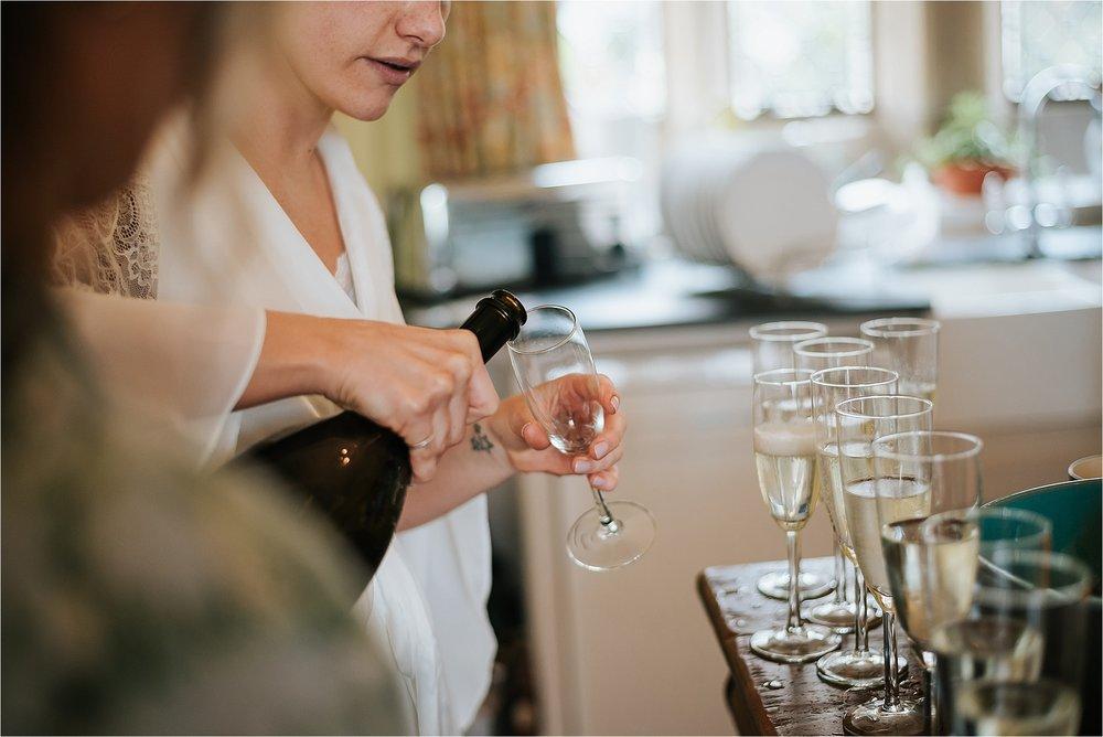 bride pores champagne