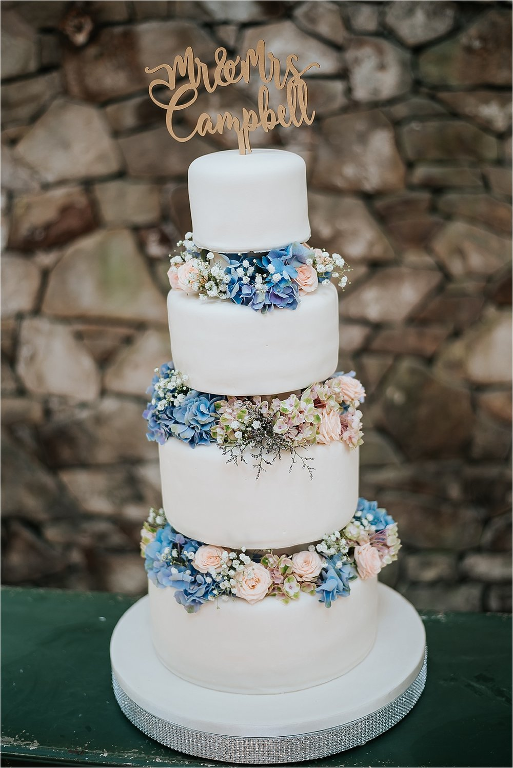 beautiful wedding cake at wyresdale park