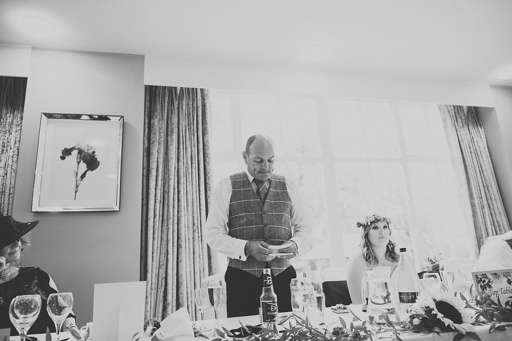 father of the bride doing a speech