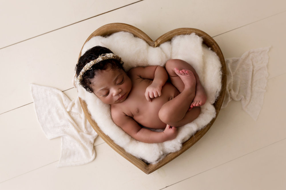 newborngirl_baltimoremaryland_heart1.jpg