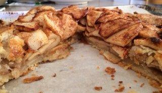 apple crostata slices.jpg