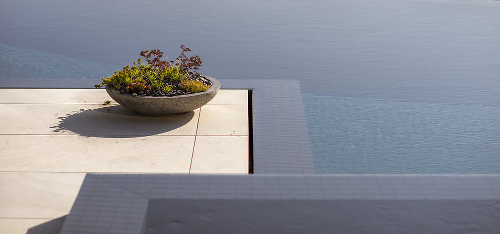 BRS-Coves-End-Paul-Sangha-Landscape-Architecture-Vancouver-Photography-Brett-Ryan-Studios-Residential-Flow-Pool-Details-Water