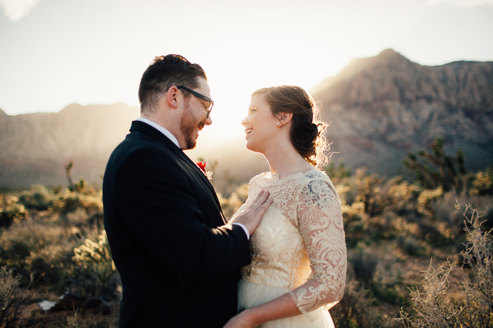 Emily & Matt Red rock canyon engagement-1002.jpg