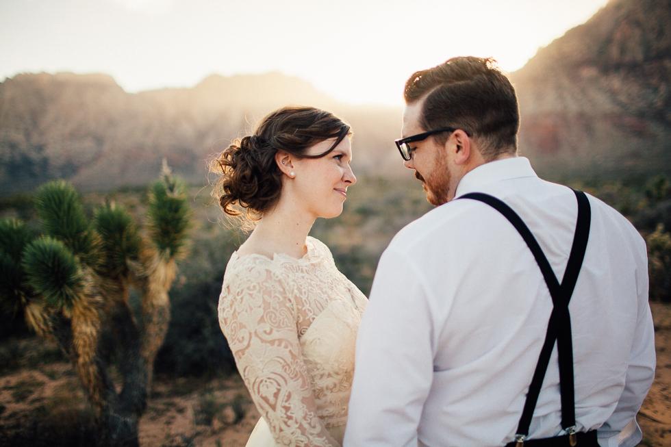 Emily & Matt Red rock canyon engagement-1006.jpg