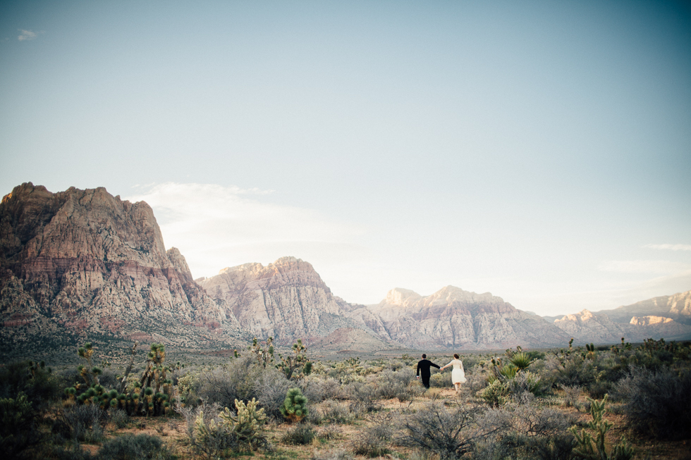 Emily & Matt Red rock canyon engagement-1029.jpg