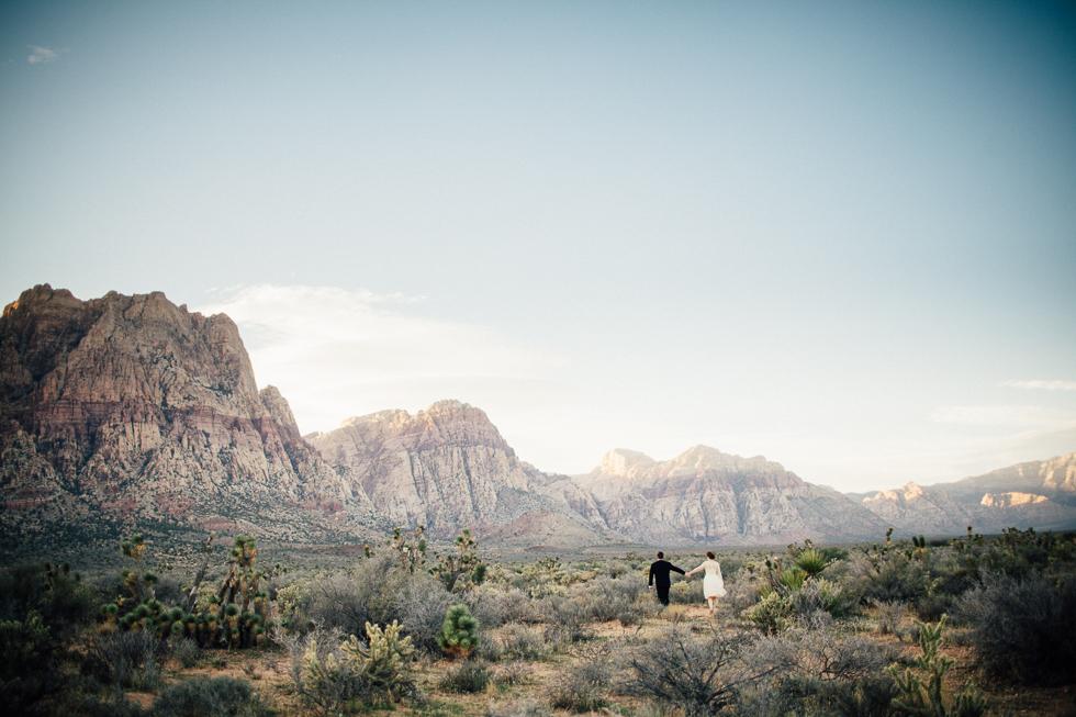 Emily & Matt Red rock canyon engagement-1029.jpg