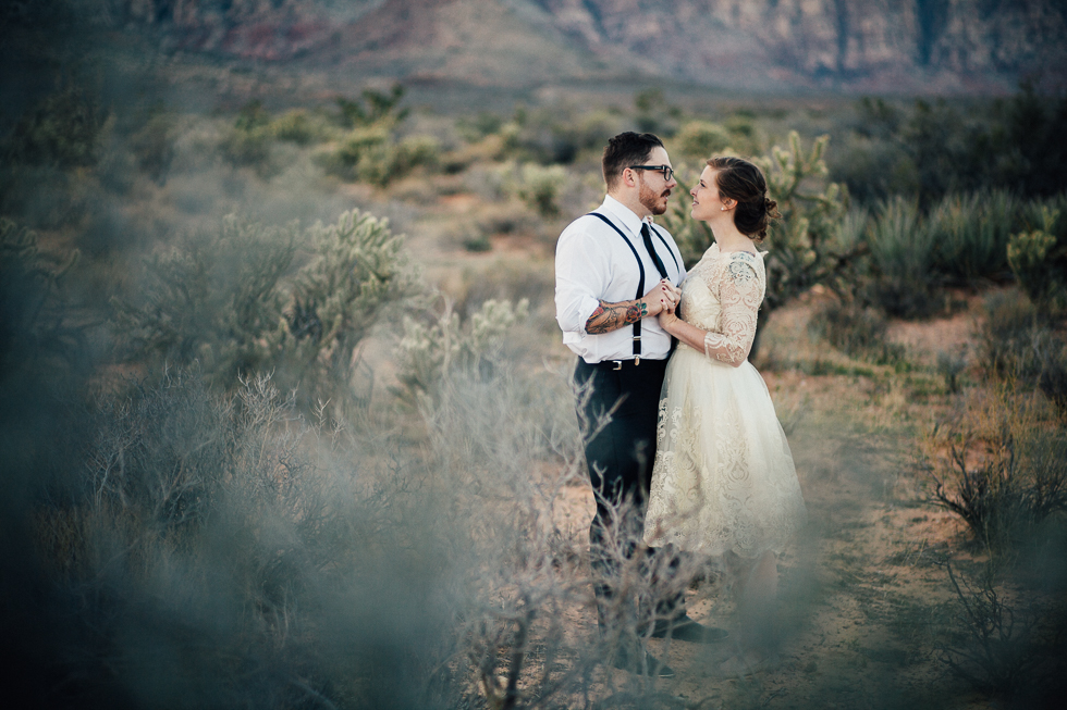 Emily & Matt Red rock canyon engagement-1036.jpg