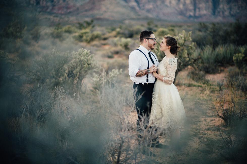 Emily & Matt Red rock canyon engagement-1036.jpg