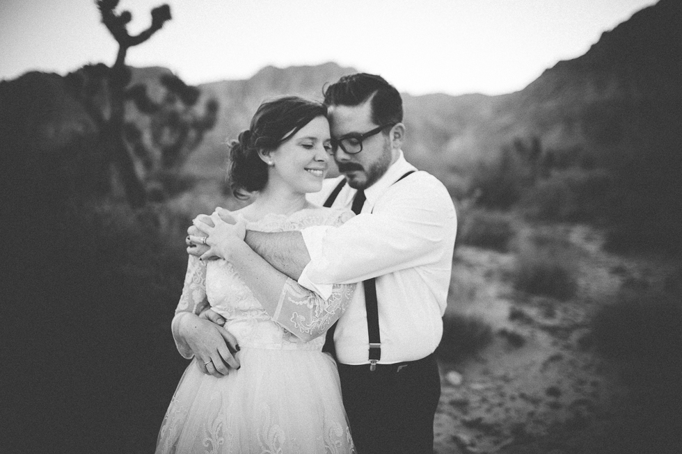 Emily & Matt Red rock canyon engagement-1046.jpg