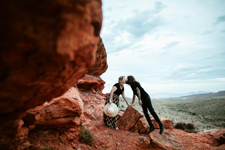 Las Vegas engagement photographers