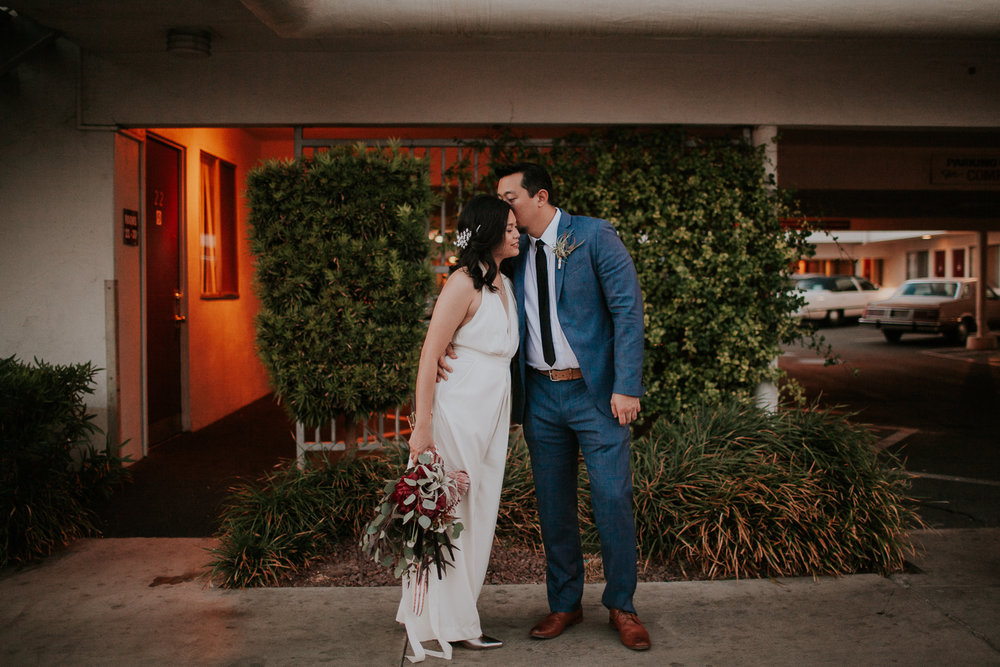 Las Vegas elopement photographers