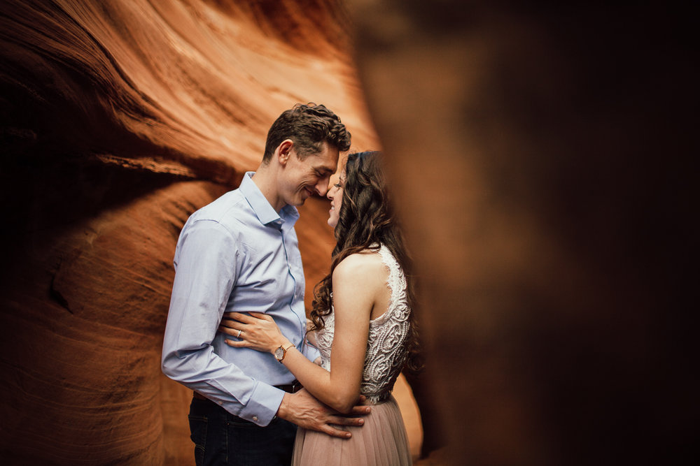 Antelope Canyon Engagement photographer