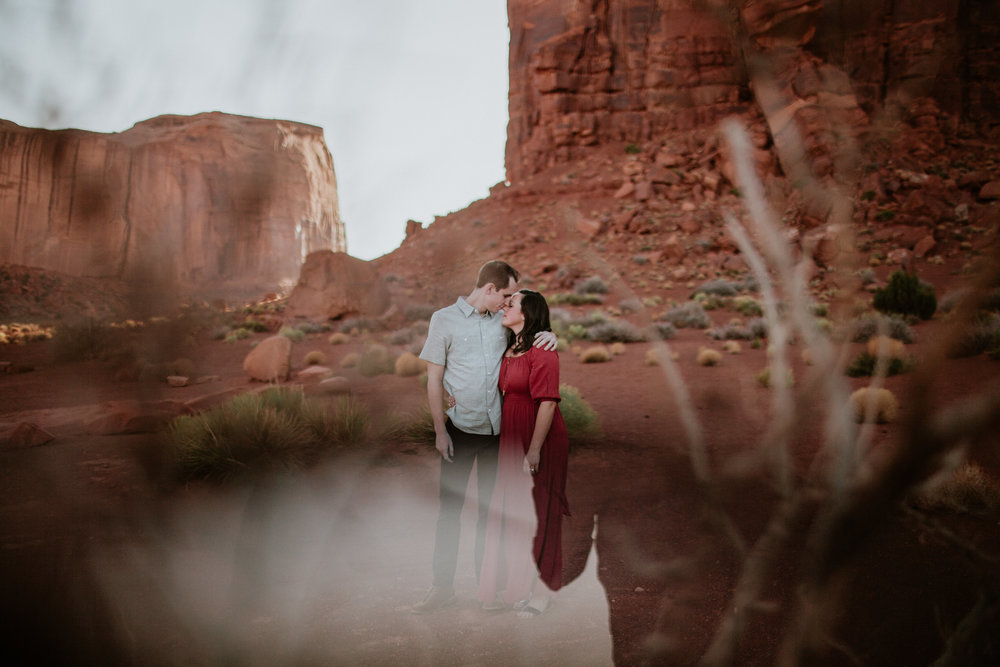 Monument Valley engagement photography-0016.jpg