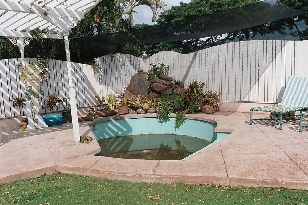 13_Abandoned Pool_Lahaina.jpg