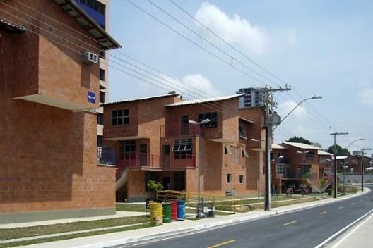 Conjunto Habitacional Prosamin, Arquiteto Luiz Fernando Freitas – Cooperativa de profissionais do Habitat, Manaus AM Foto João Sette Whitaker Ferreira
