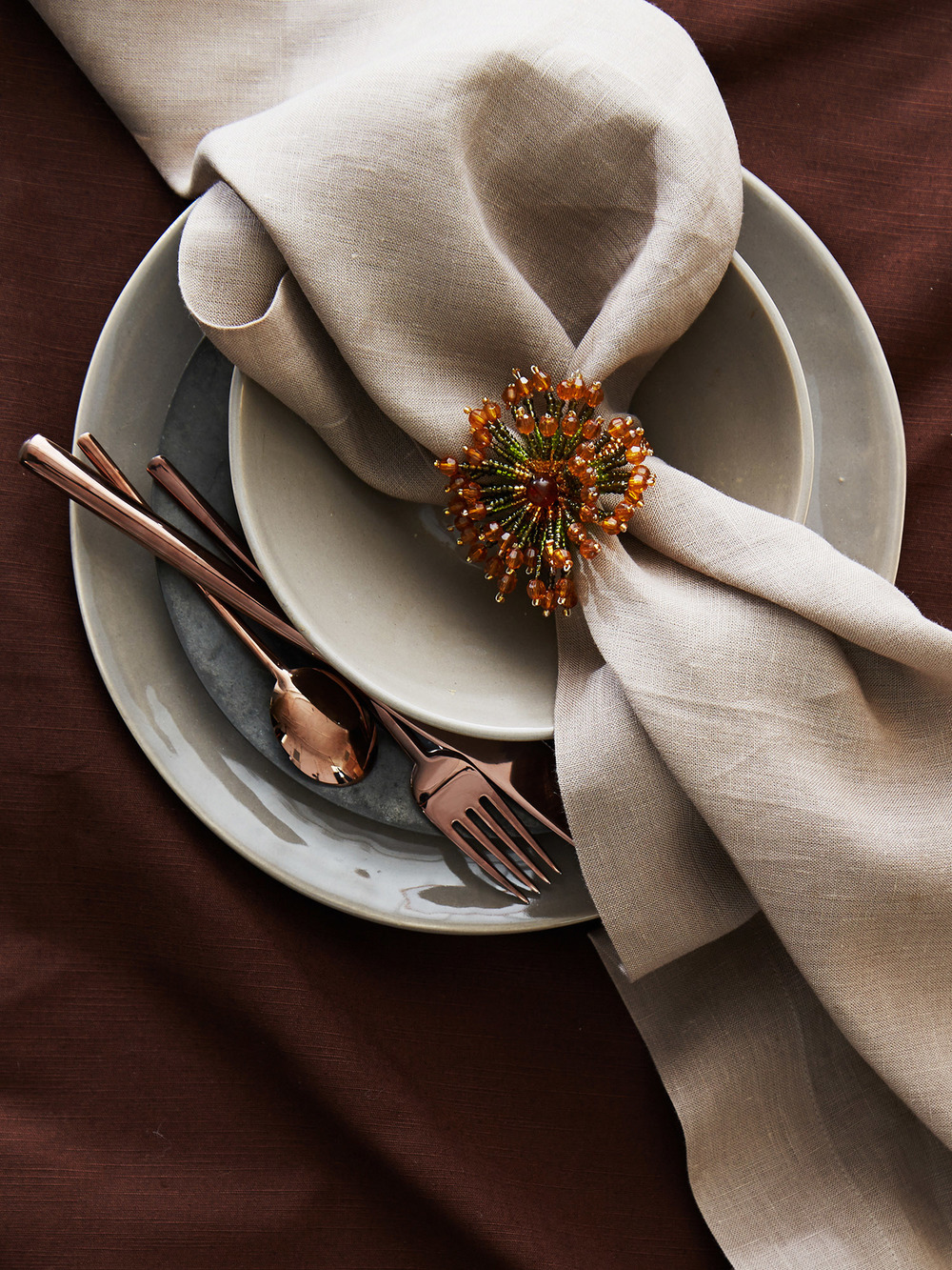 Rustic_Fall_Table_HOME_1074003637_EDITORIAL_188.jpg
