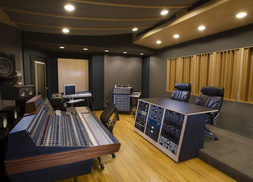 LakeHouse_Studio_ControlRoom_North.jpg