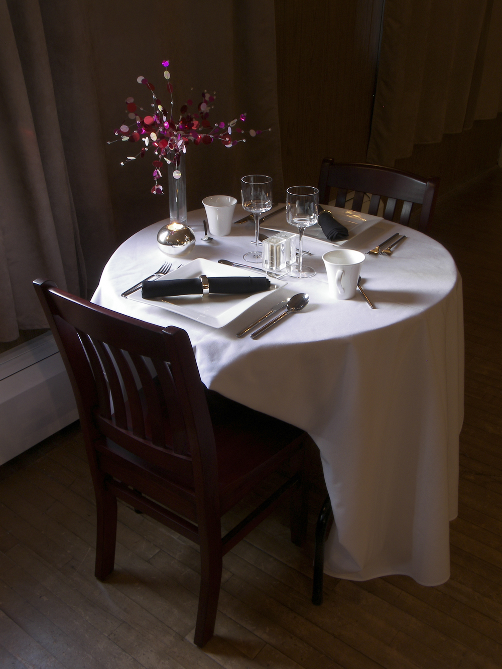 pre show dining.jpg