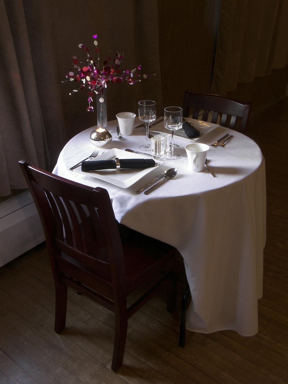 PRE-SHOW DINING