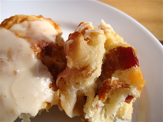 apple-bacon-scone-close-up