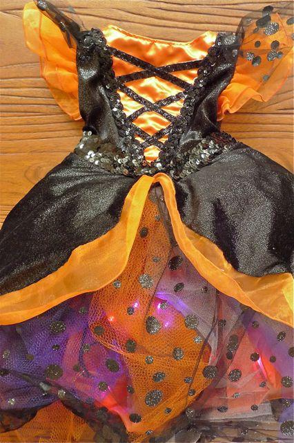 costume-whole