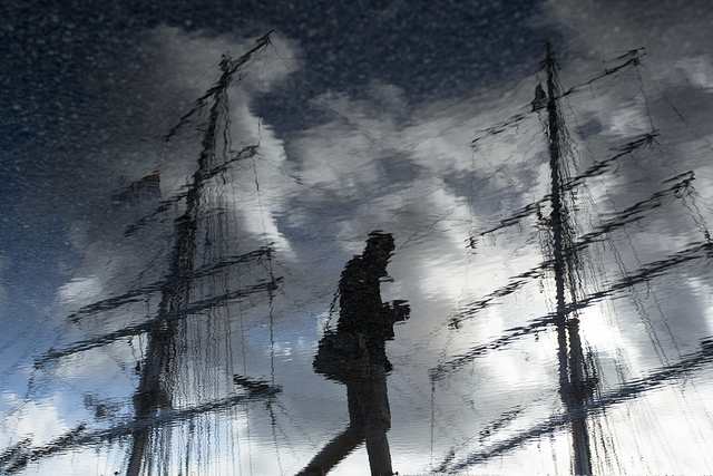 lensblr-network: [Sailor of puddle] by ez-90.tumblr.com