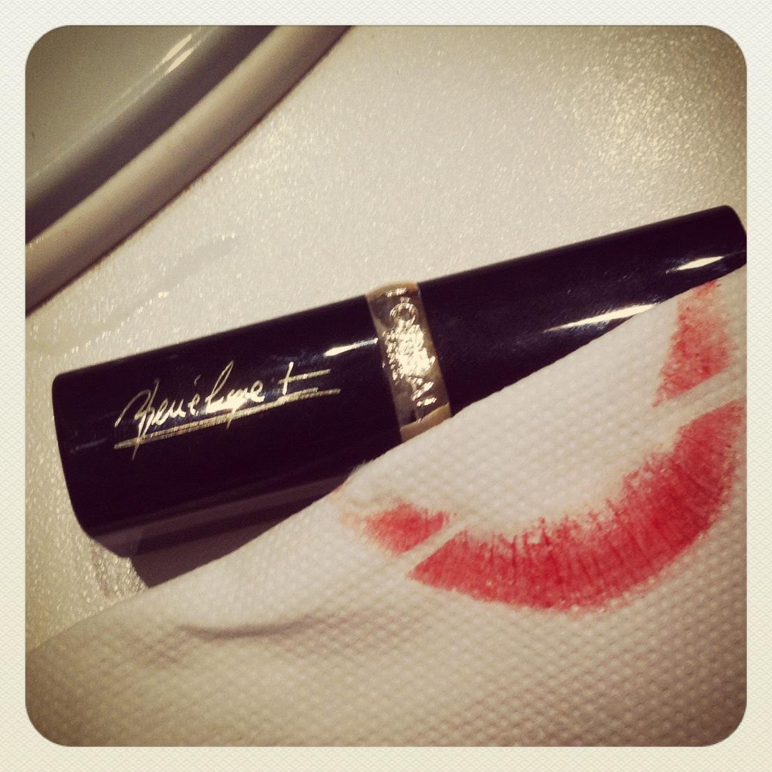 l'oreal red lipstick