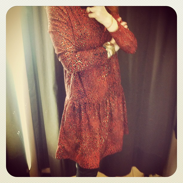 red leo dress