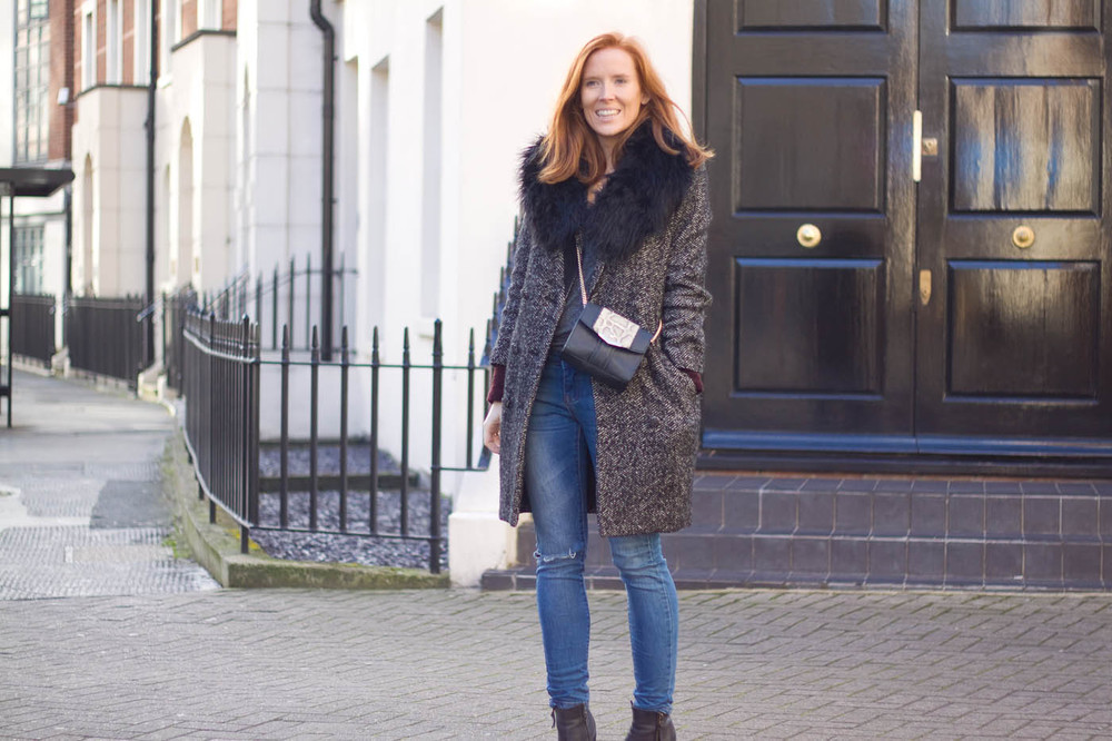 ASOS jeans (old) H&M coat and collar (old) Gina Tricot jacket (barely seen) Sacha boots (old) Zara bag