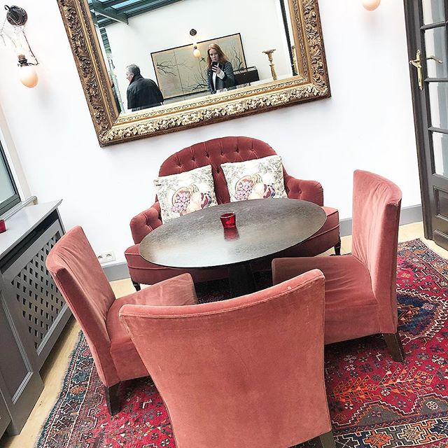 Pink and velvet - what more can you ask for. #brussels #hotel