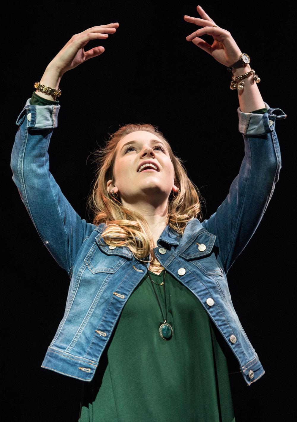 Nina (Claire Autran)