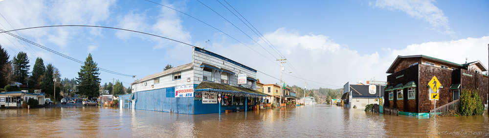 2015 image of the  Nehalem River flood, OR.