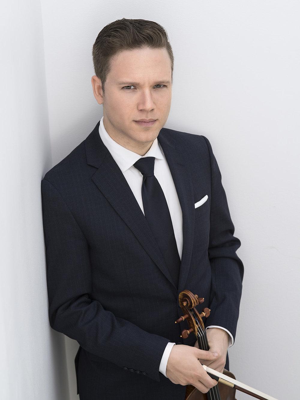 Netanel Draiblate ,  Violin