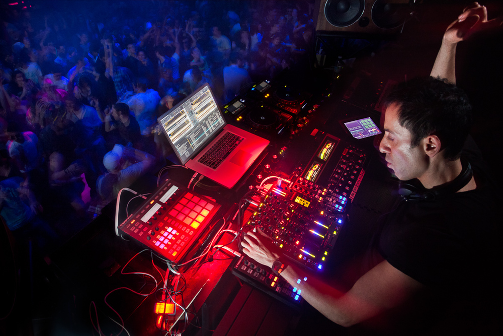 MIGLEGO_DUBFIRE_STEREO_NATIVE INSTRUMENTS_7655-Edit-Edit.jpg