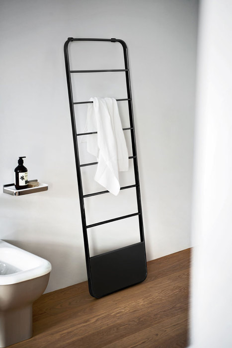 Memory Heated Towel Rack by Benedini Associati