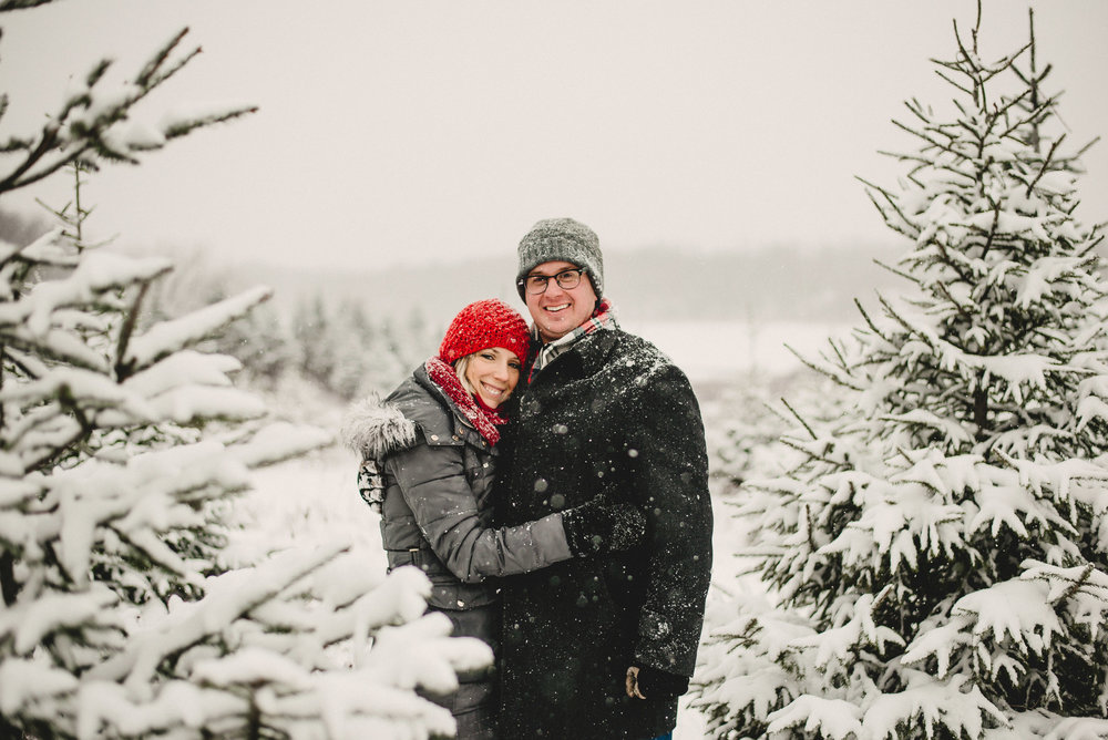 Christmas Tree Farm Family Photo Session Metamora Michigan Winter (29).JPG