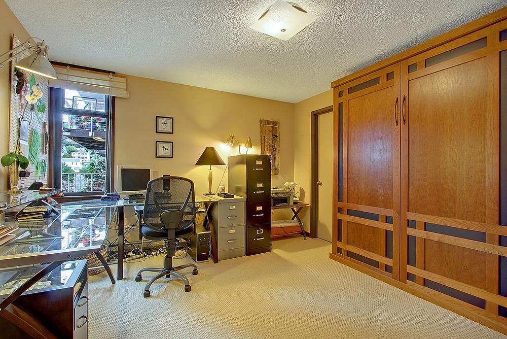 Bedroom Office.jpg