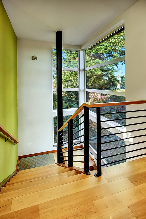 Tello stairwell down.jpg
