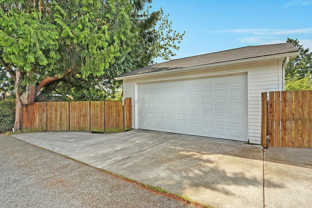 garageexterior.jpg