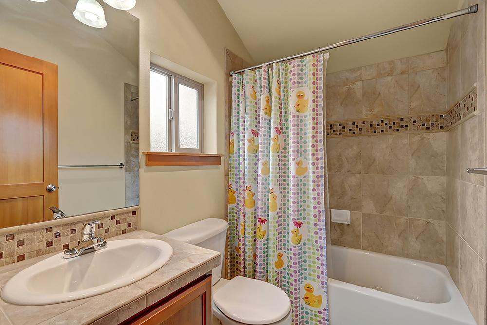 upper bath.jpg