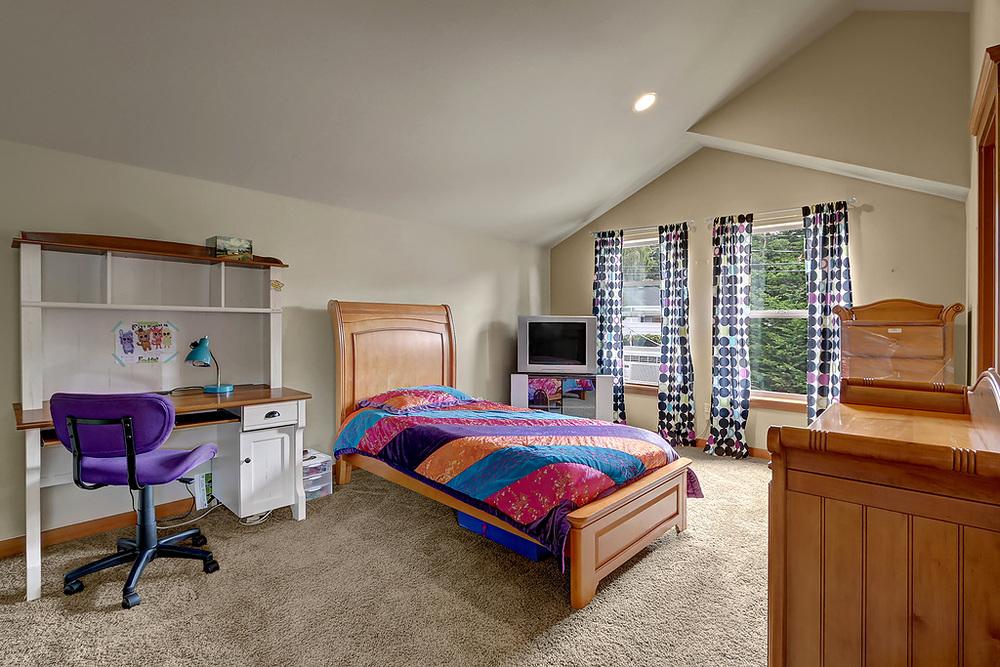 upper bed.jpg