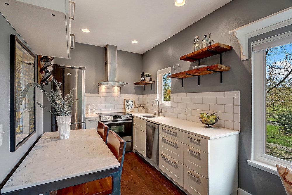 Kitchen fr living.jpg