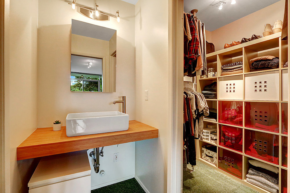 master bath closet.jpg