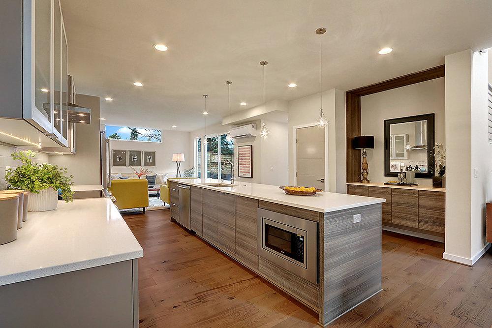 kitchen_buffet_livinrm.jpg