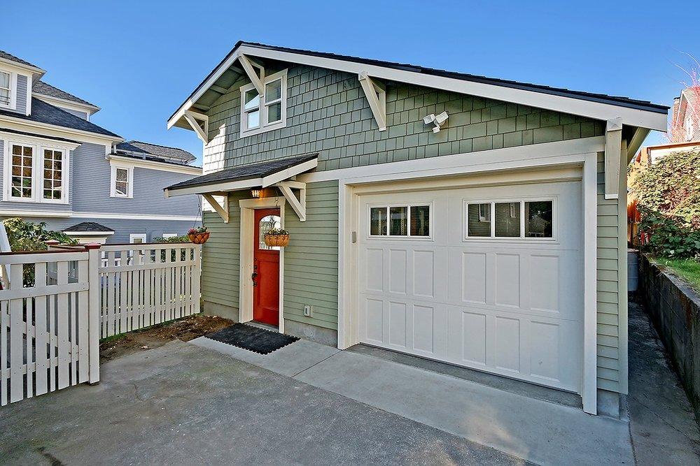 garage exterior.jpg