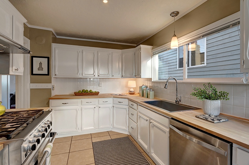 kitchen fr dining.jpg