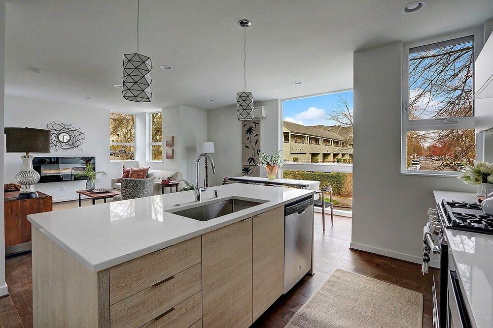 A fr kitchen to livingrm.jpg